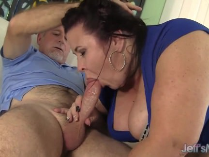 Big titted mature BBW Lady Lynn gets her puss